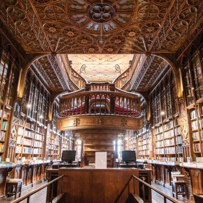 bookcase-books-bookshelves-1290141
